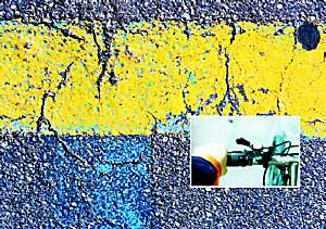 2004: Asphalt (gelber Streifen)